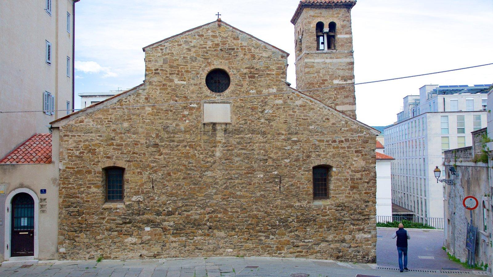 Basilica Paleocristiana featuring heritage architecture
