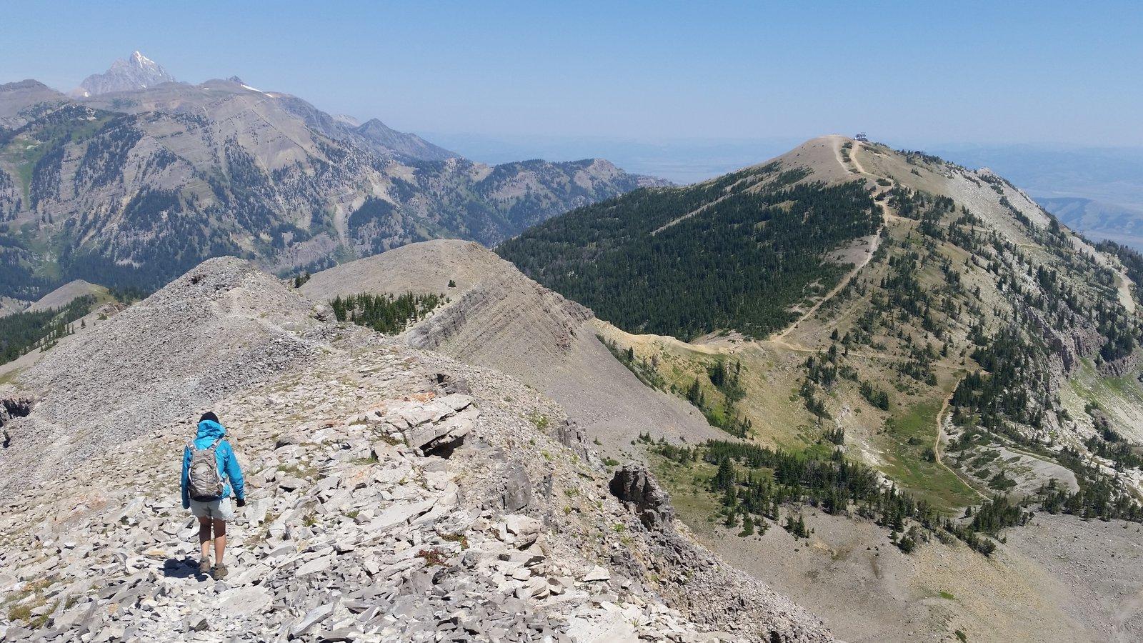 Jackson Hole Mountain Resort mostrando montanhas e escalada ou caminhada