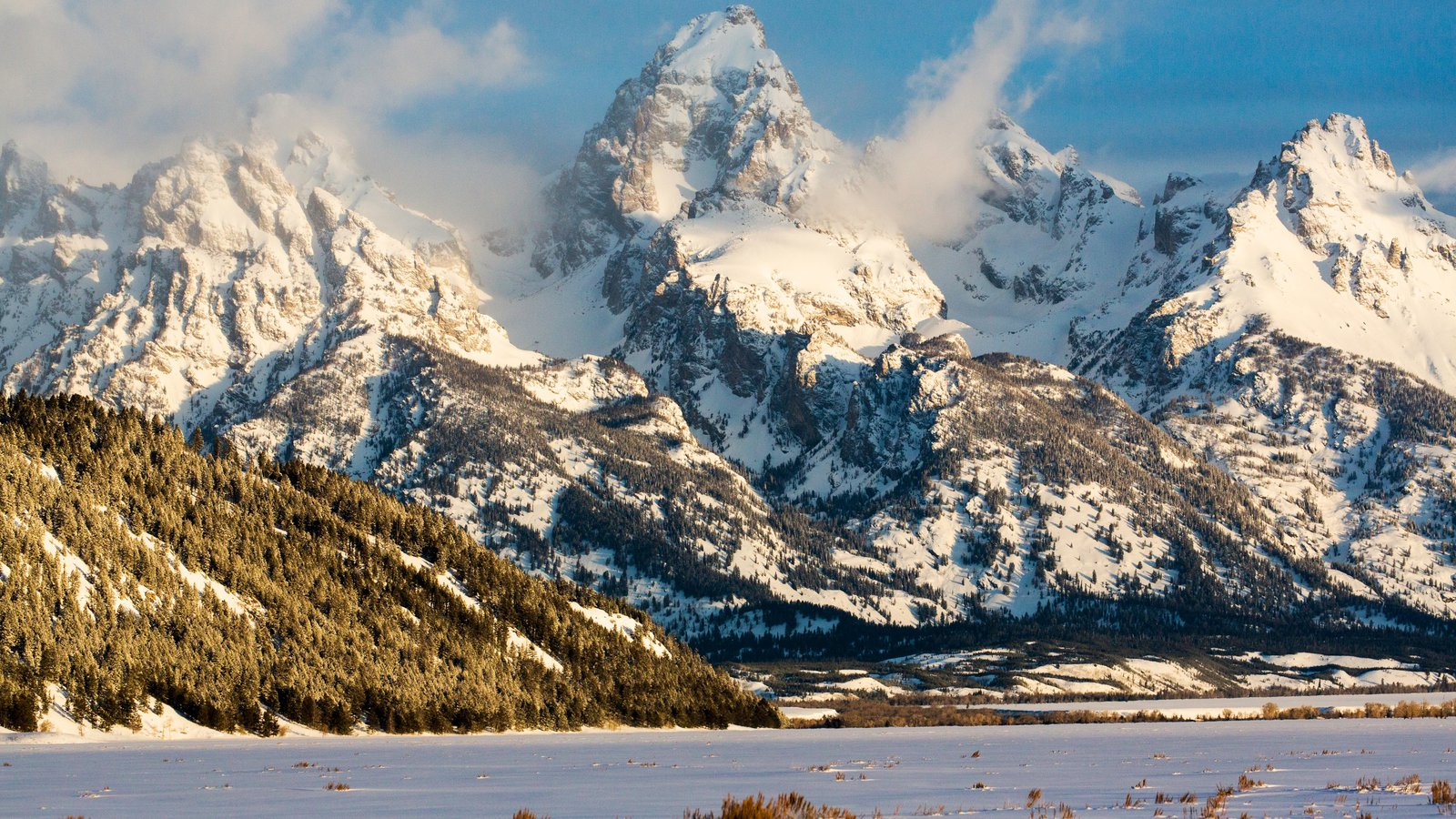 Jackson Hole Mountain Resort que inclui montanhas e neve
