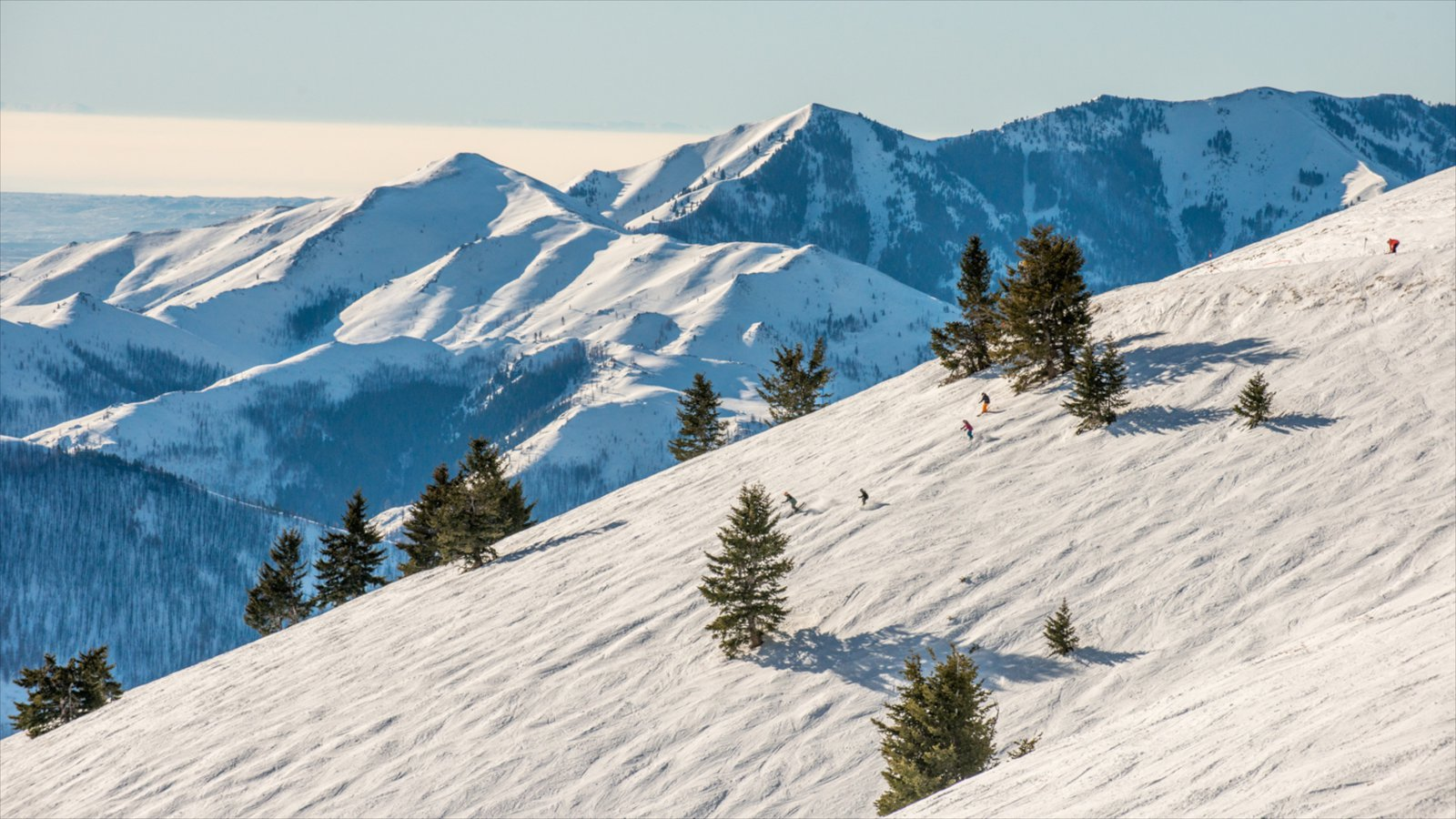 Sun Valley Ski Resort que inclui montanhas e neve