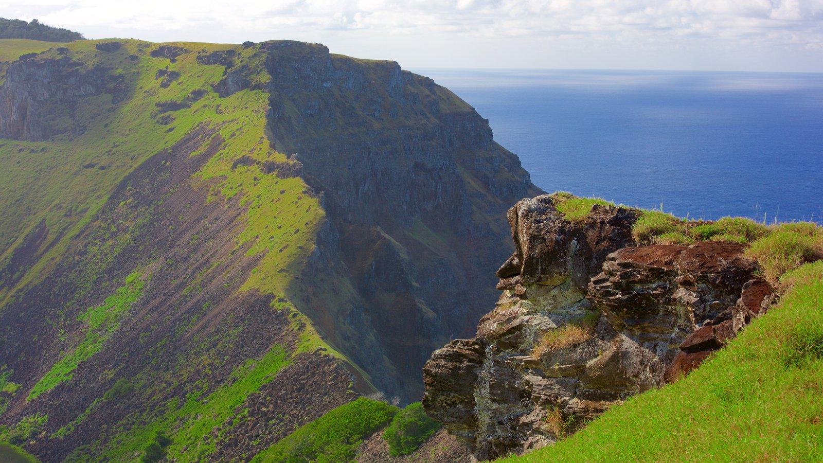 Isla de Pascua ofreciendo montañas
