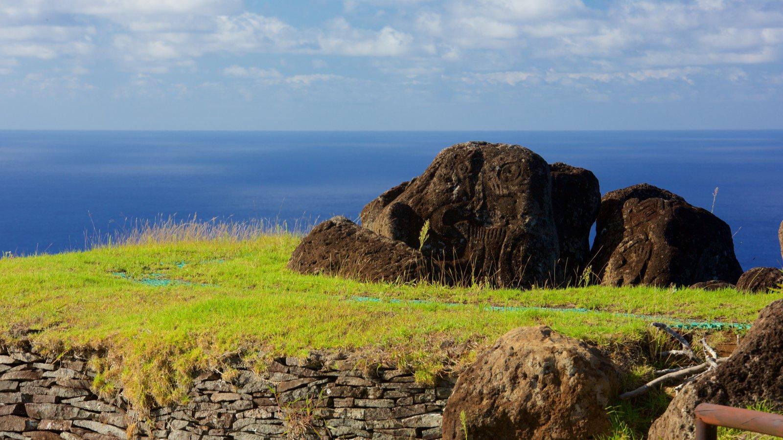 Isla de Pascua ofreciendo vistas generales de la costa
