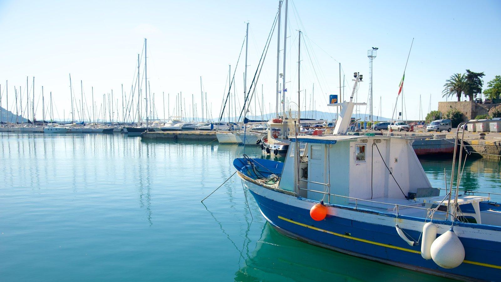 Talamone caracterizando uma marina
