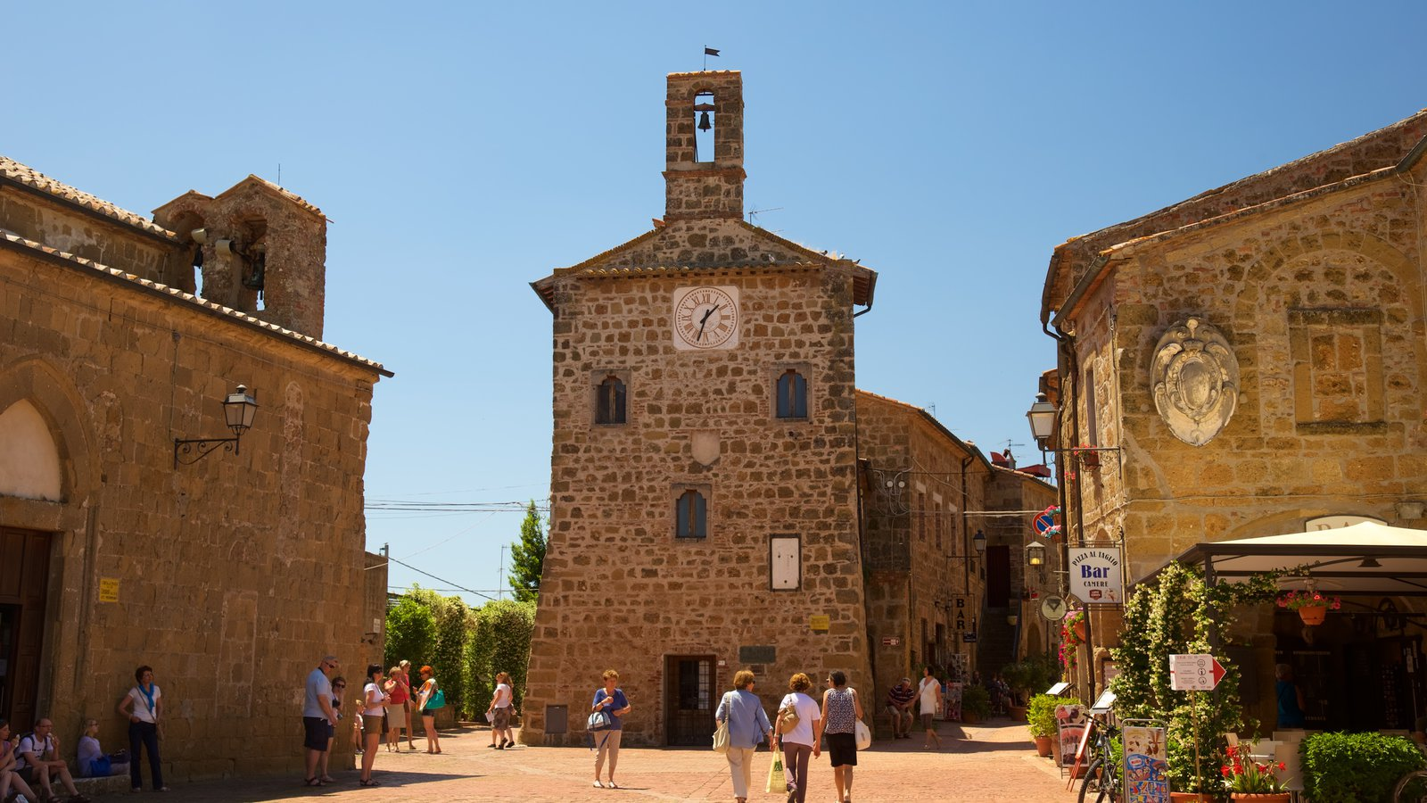 Sovana featuring heritage architecture