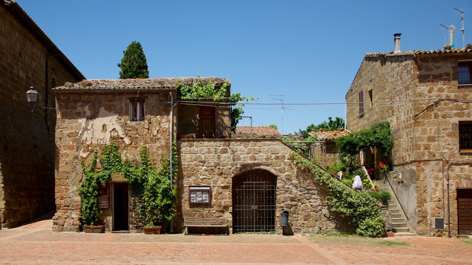 Sovana showing heritage architecture
