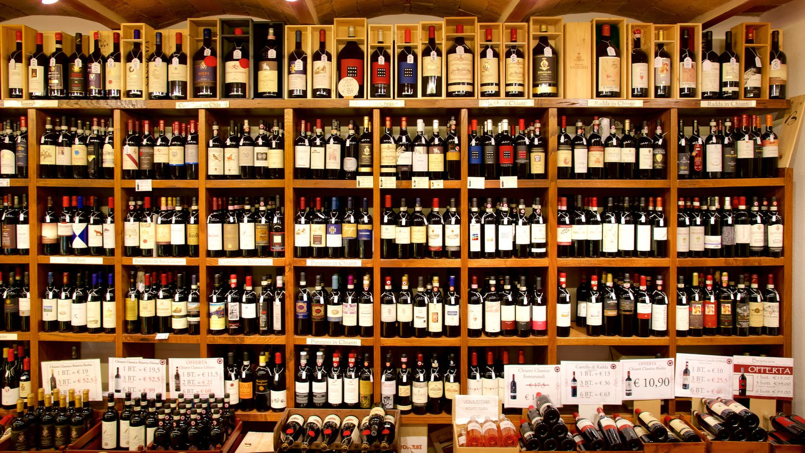 Radda in Chianti which includes interior views and drinks or beverages
