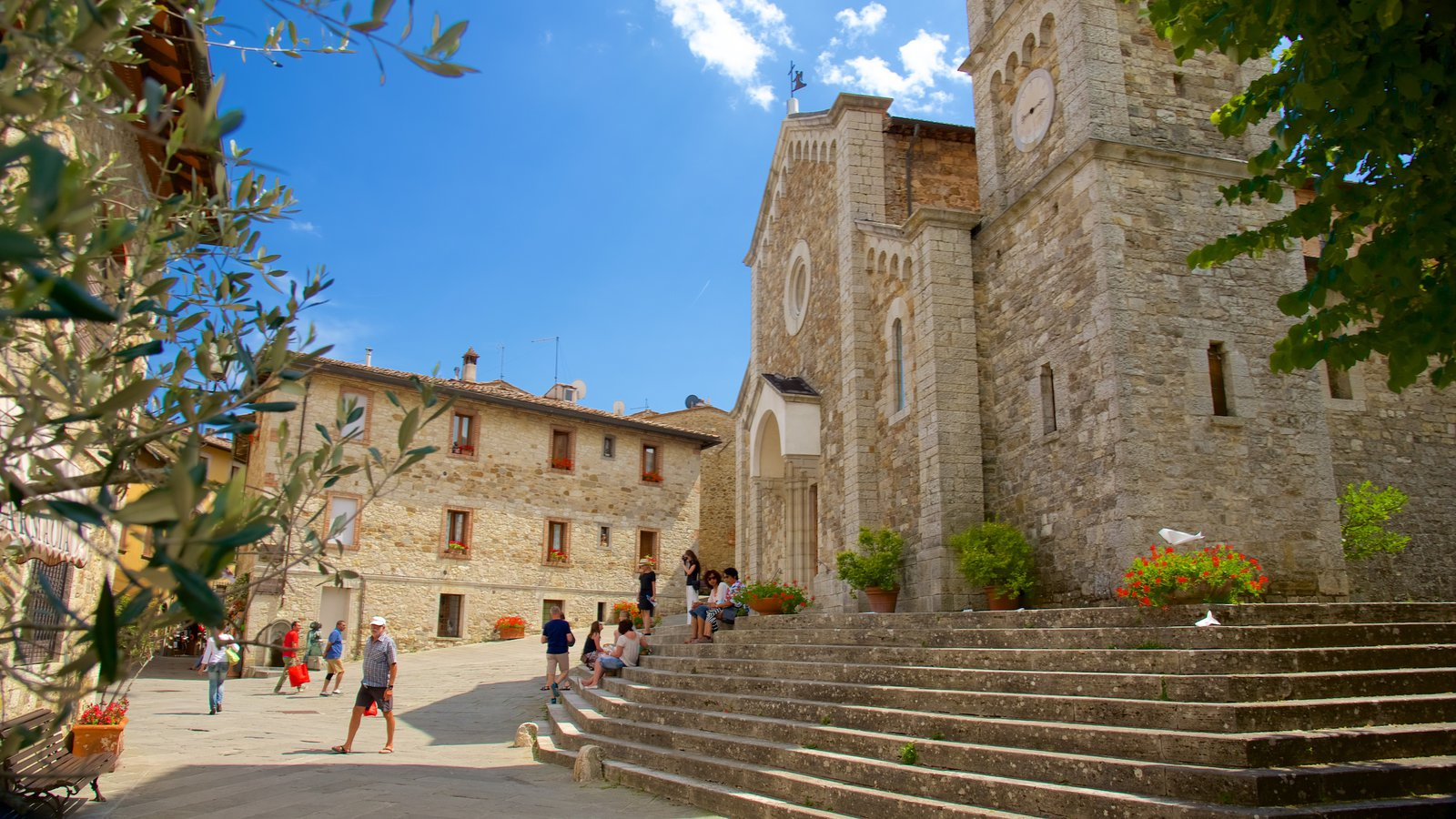 Castellina in Chianti which includes a church or cathedral, religious elements and heritage architecture