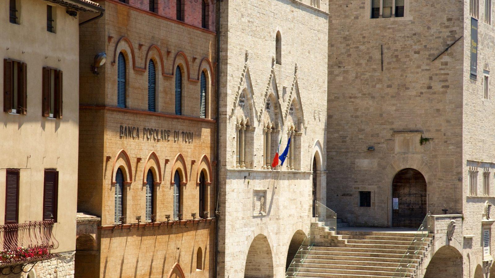 Todi mostrando una ciudad y patrimonio de arquitectura