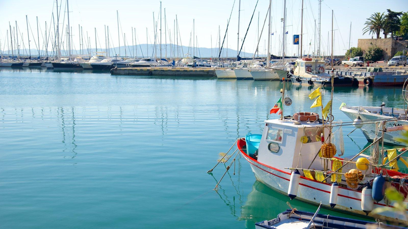 Talamone que inclui uma marina e canoagem