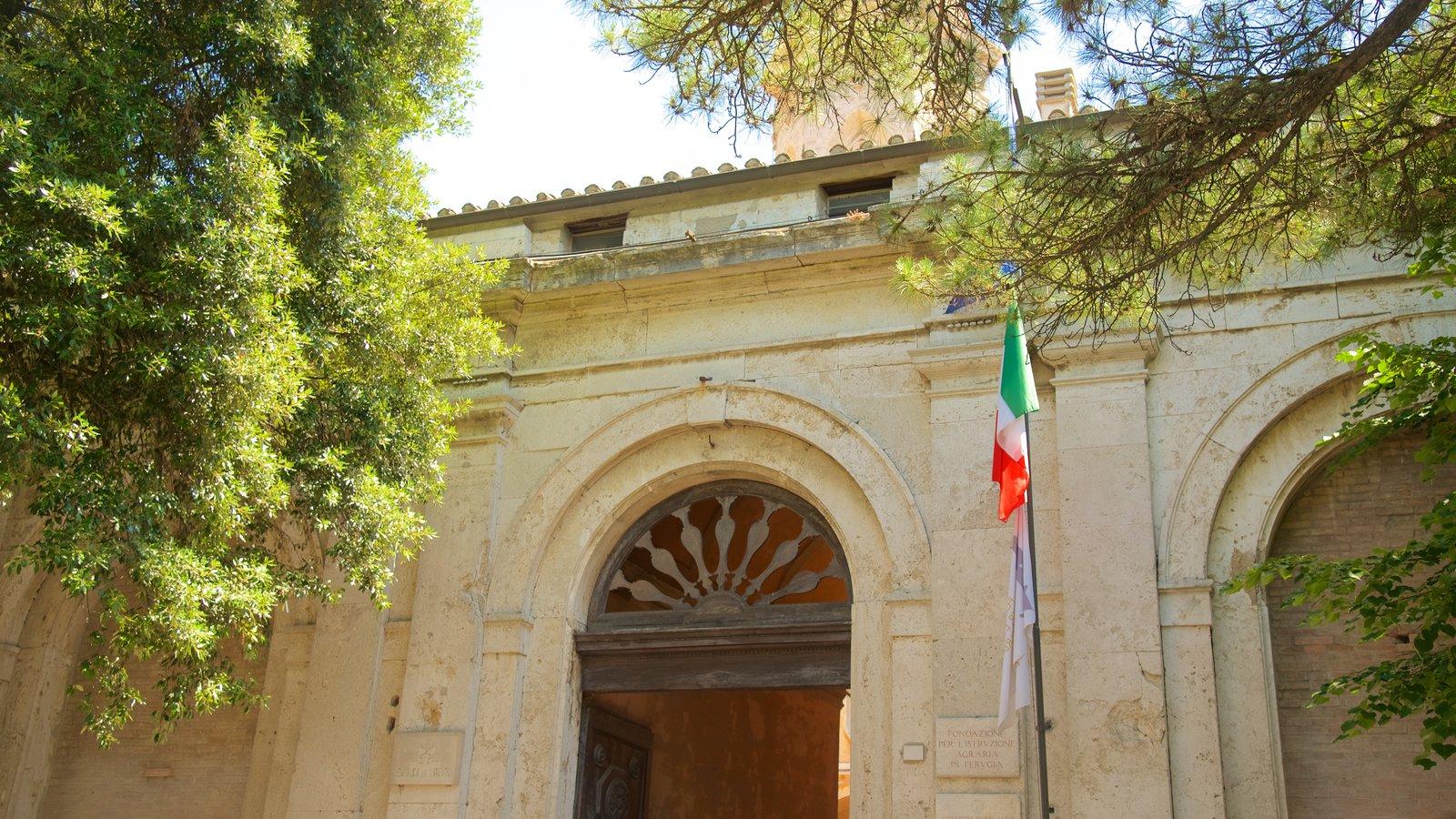 Basilica San Pietro which includes heritage architecture
