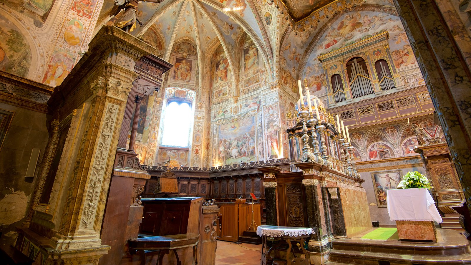Basilica San Pietro featuring interior views, a church or cathedral and religious elements