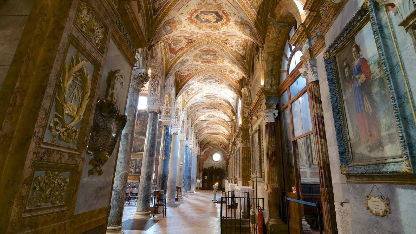 Basilica San Pietro featuring heritage architecture, religious aspects and interior views