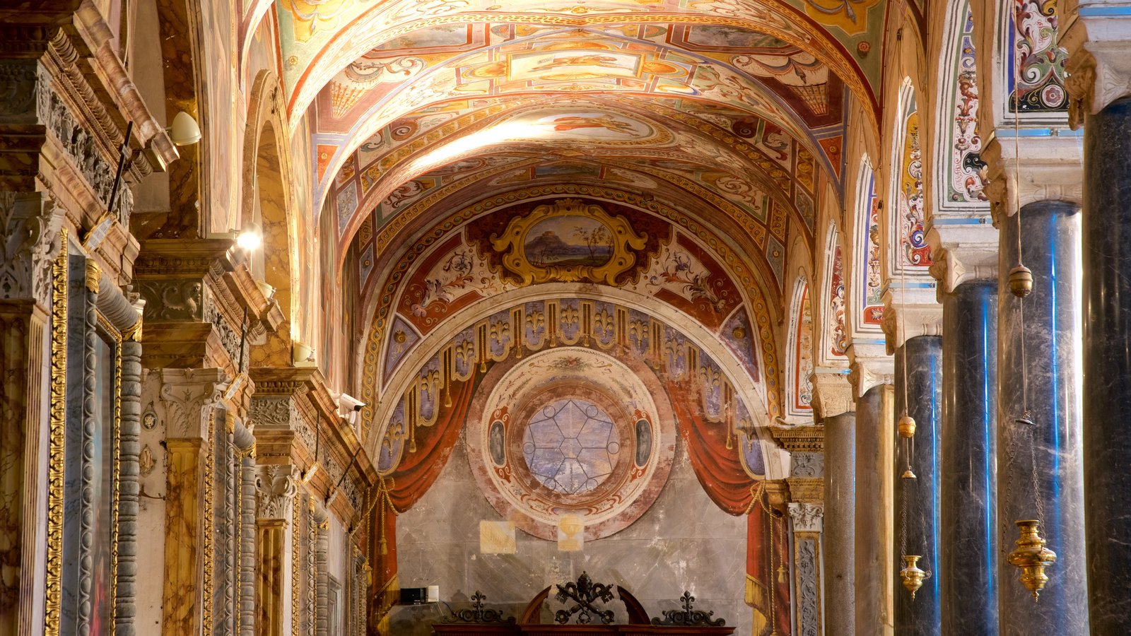 Basilica San Pietro showing interior views, heritage architecture and religious elements