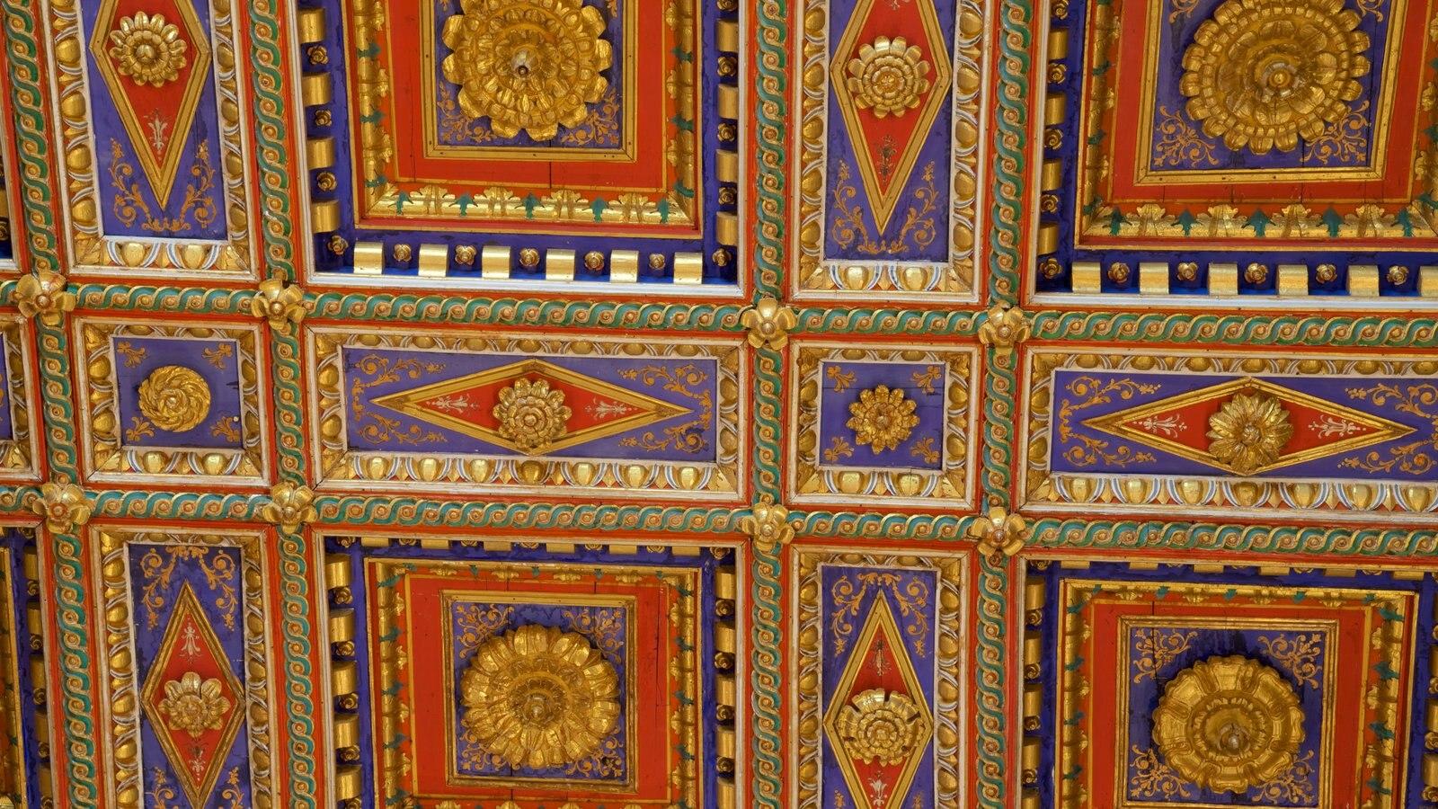 Basilica San Pietro showing art