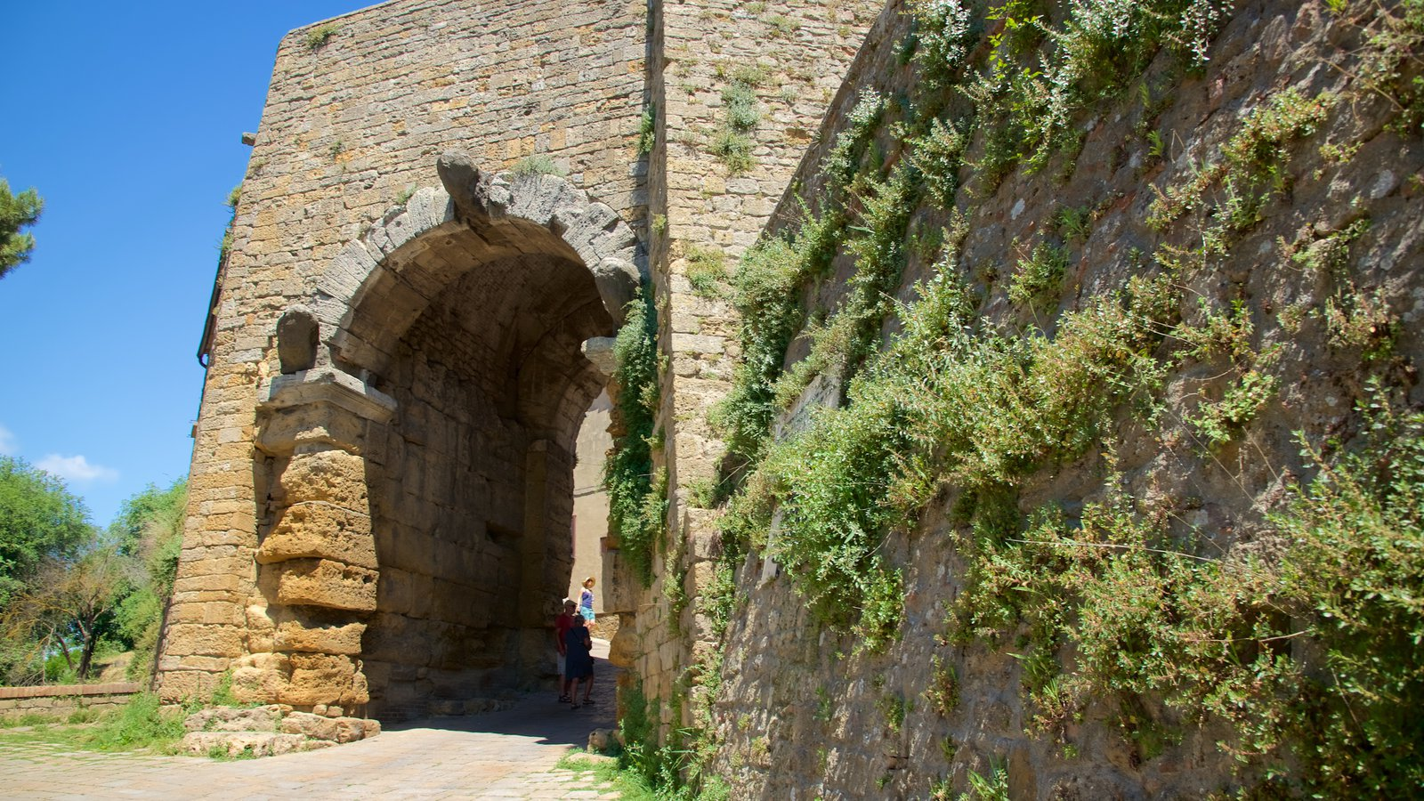 Porta all\'Arco featuring heritage architecture