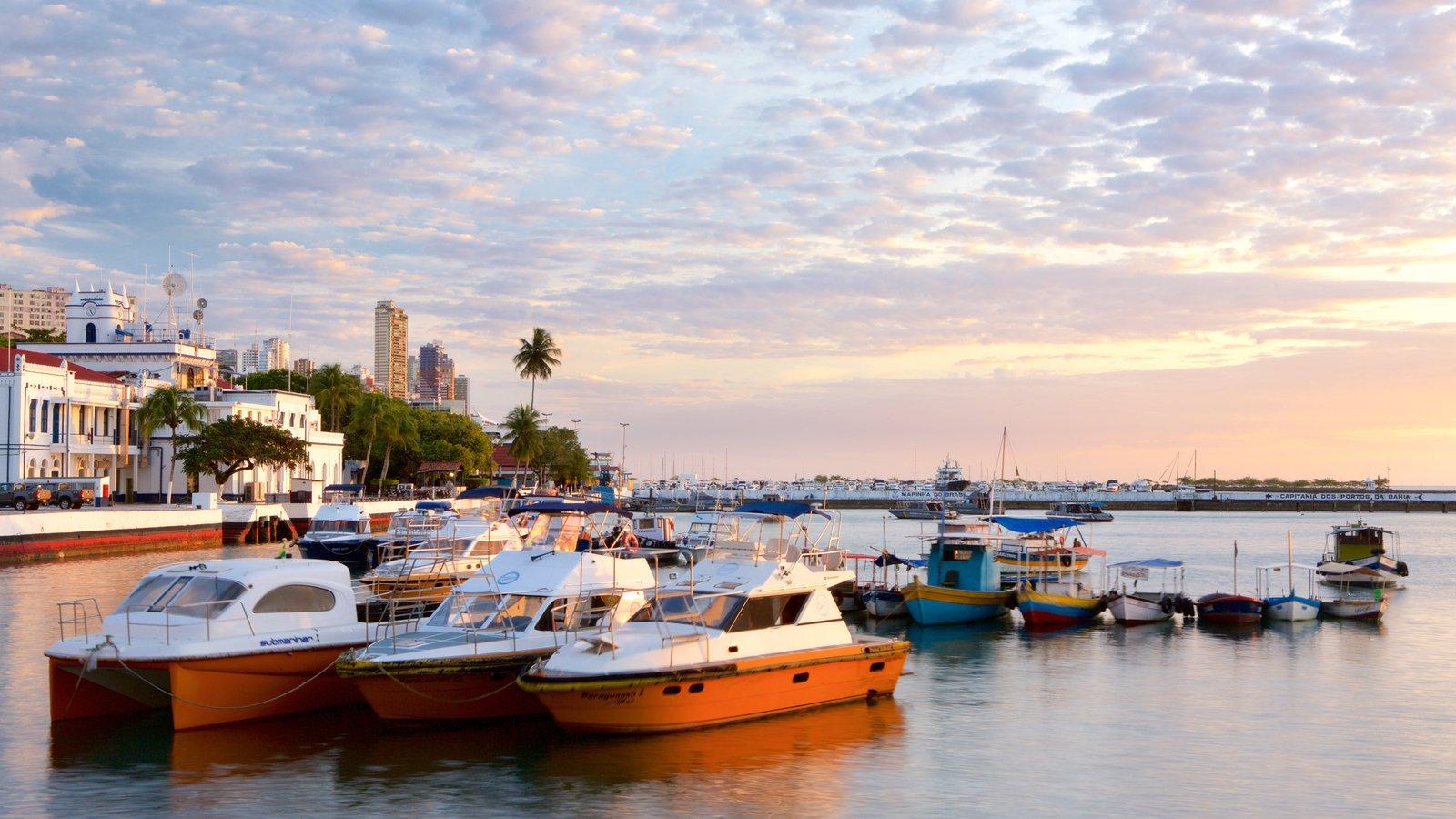 Salvador mostrando paisagens litorâneas, uma marina e cenas tropicais