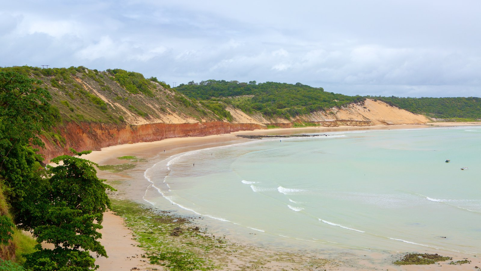Baía Formosa que inclui uma praia e paisagens litorâneas