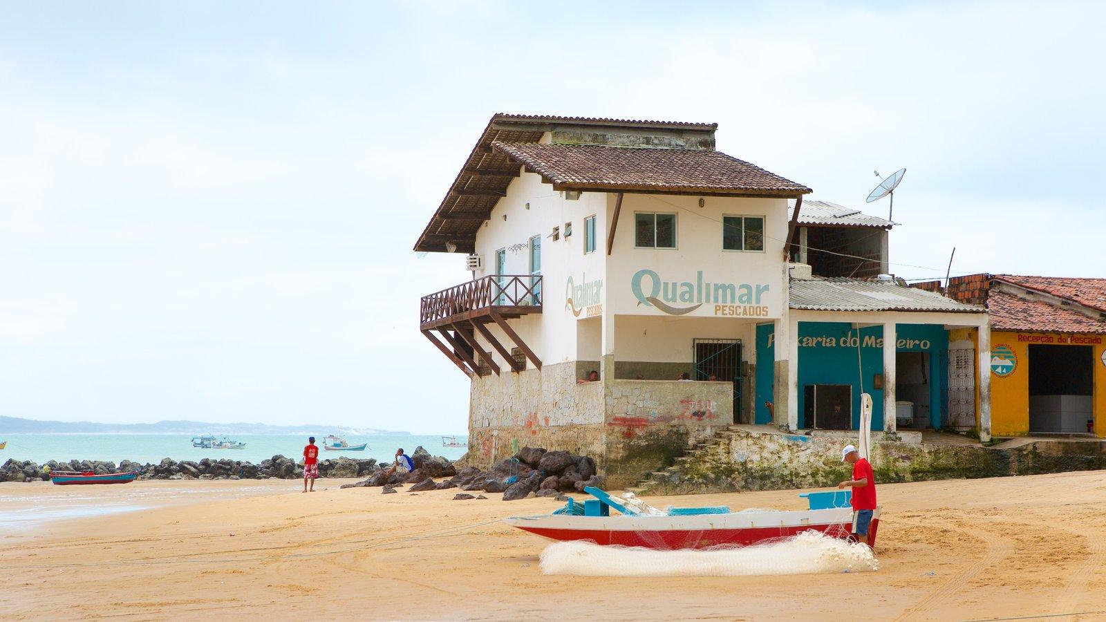 Baía Formosa caracterizando pesca, uma praia e paisagens litorâneas