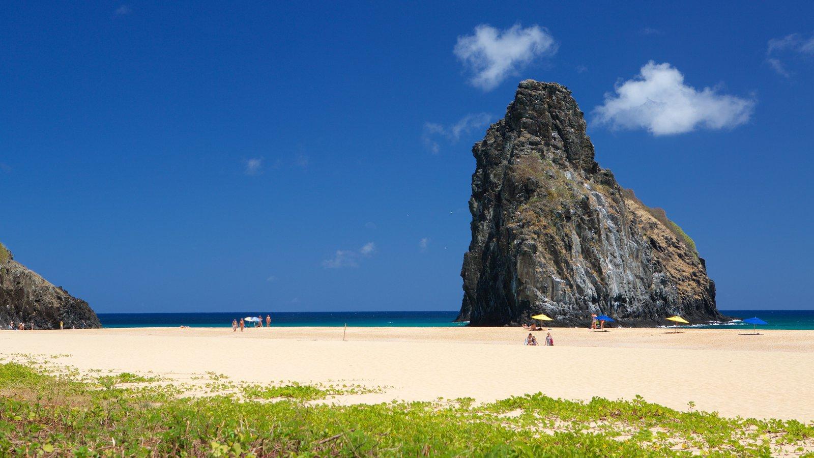 Praia Cacimba do Padre mostrando paisagens litorâneas, litoral rochoso e uma praia