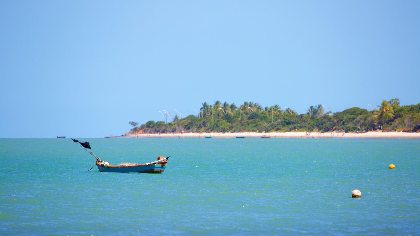 Praia do Mutá que inclui paisagens litorâneas e canoagem