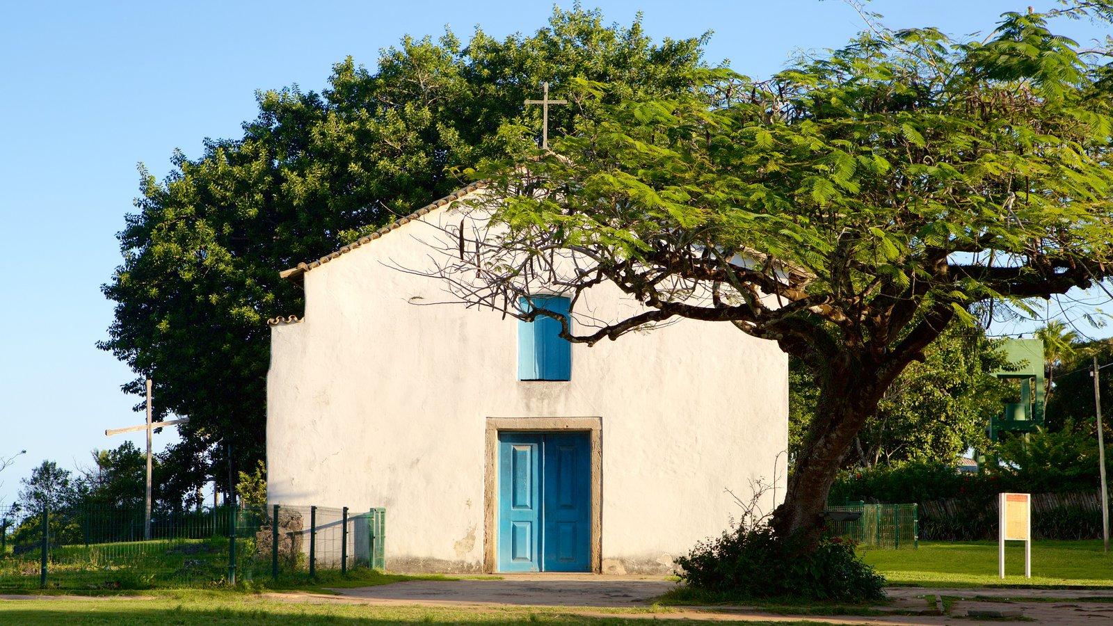 Porto Seguro mostrando aspectos religiosos e uma igreja ou catedral
