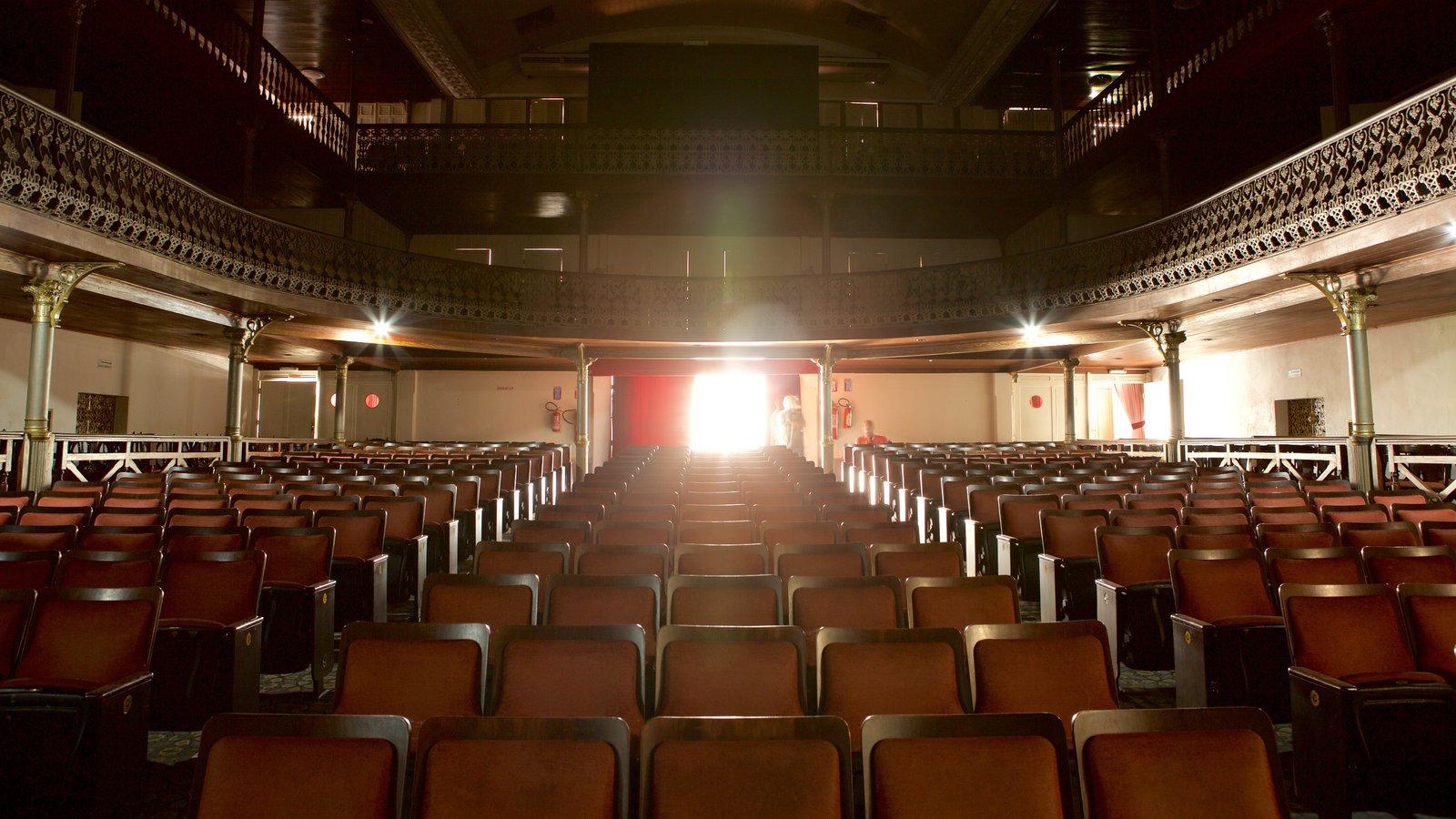Teatro Alberto Maranhão caracterizando vistas internas, cenas de teatro e elementos de patrimônio