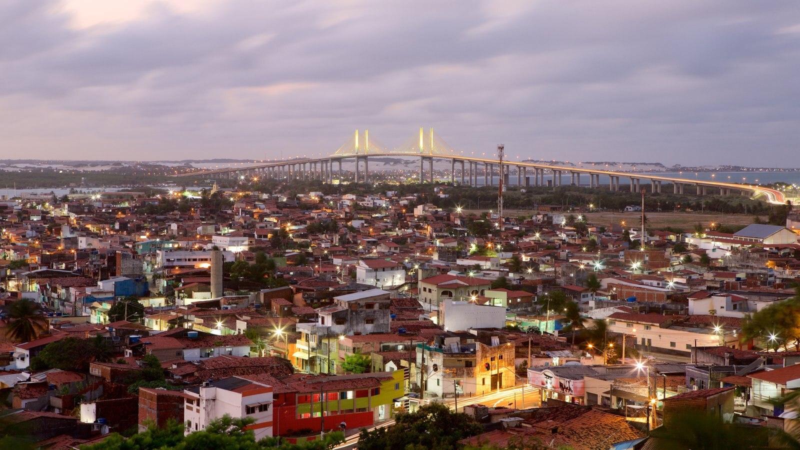 Ponte Newton Navarro mostrando uma ponte e cenas noturnas