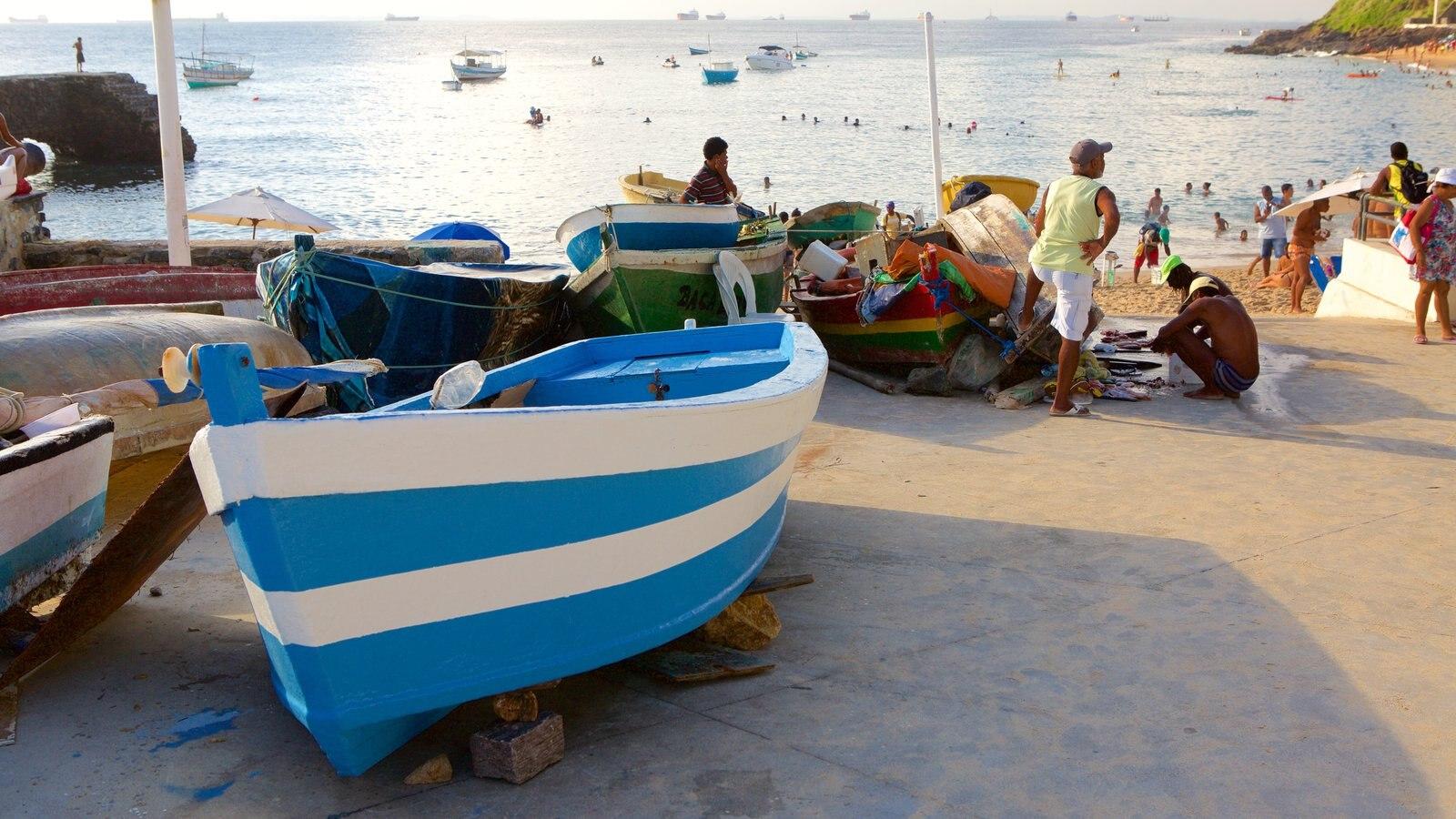 Praia do Porto da Barra caracterizando paisagens litorâneas, uma cidade litorânea e caiaque ou canoagem