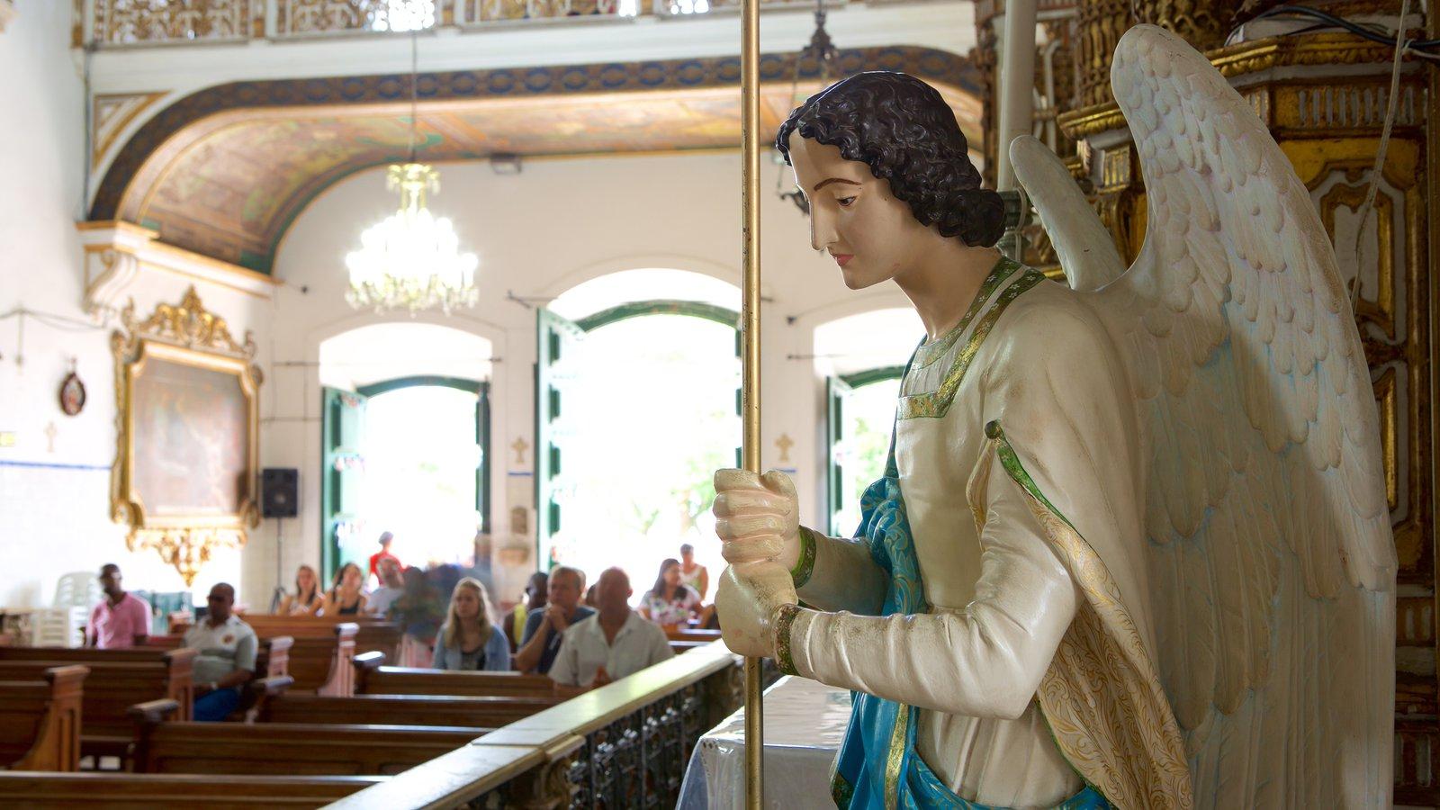 Igreja do Nosso Senhor do Bonfim caracterizando uma estátua ou escultura, vistas internas e aspectos religiosos