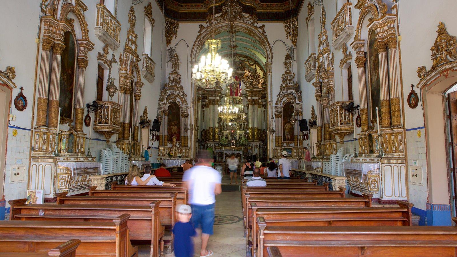 Igreja do Nosso Senhor do Bonfim caracterizando uma igreja ou catedral, elementos religiosos e vistas internas