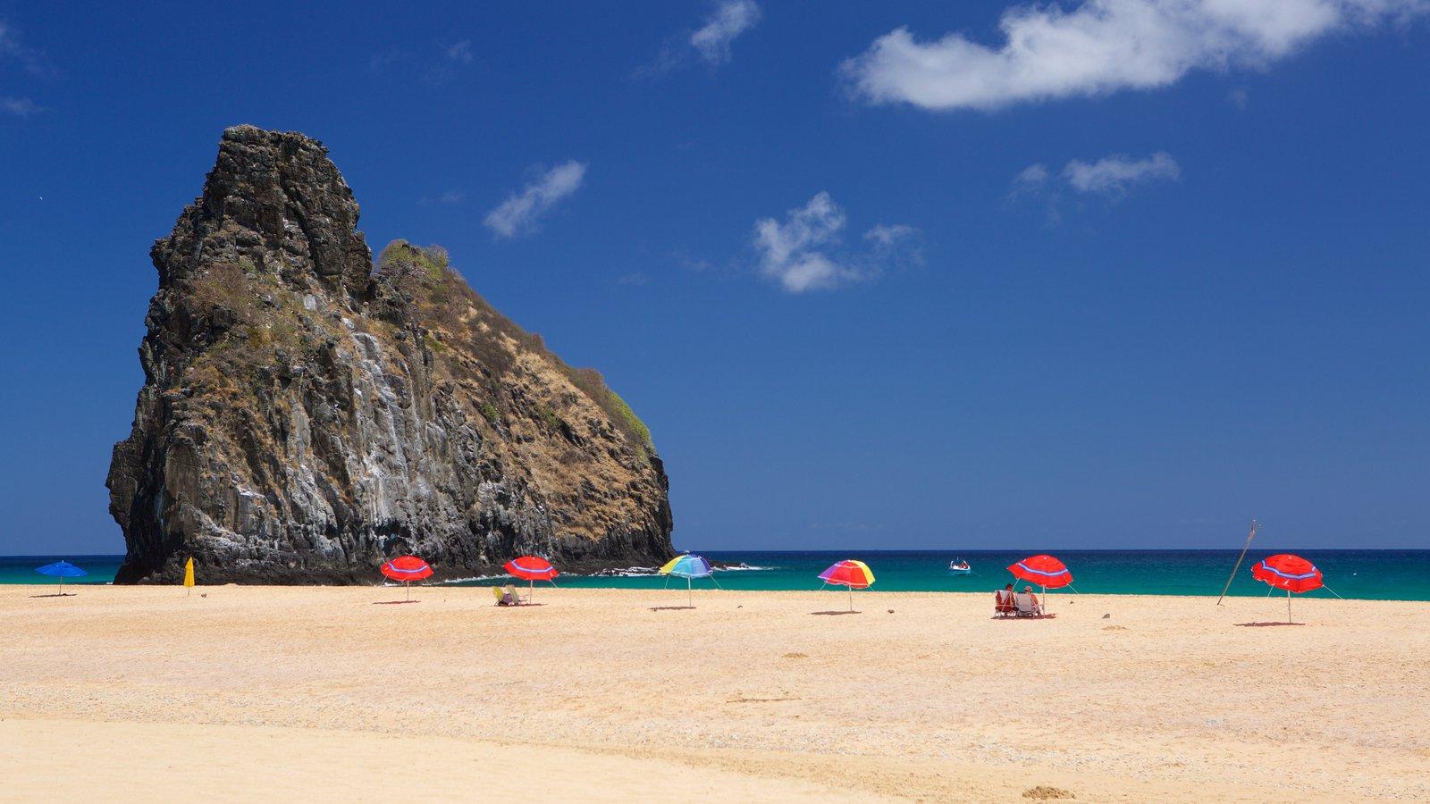Praia Cacimba do Padre que inclui paisagens litorâneas e uma praia de areia