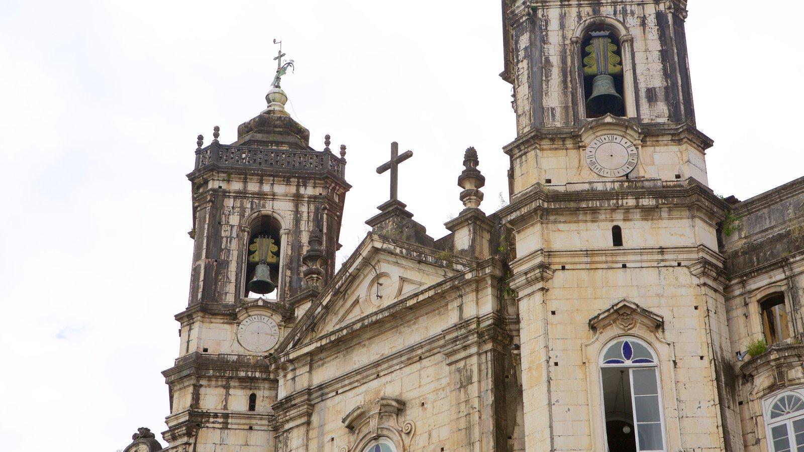 Basílica de Nossa Senhora de Conceição da Praia que inclui elementos religiosos e uma igreja ou catedral