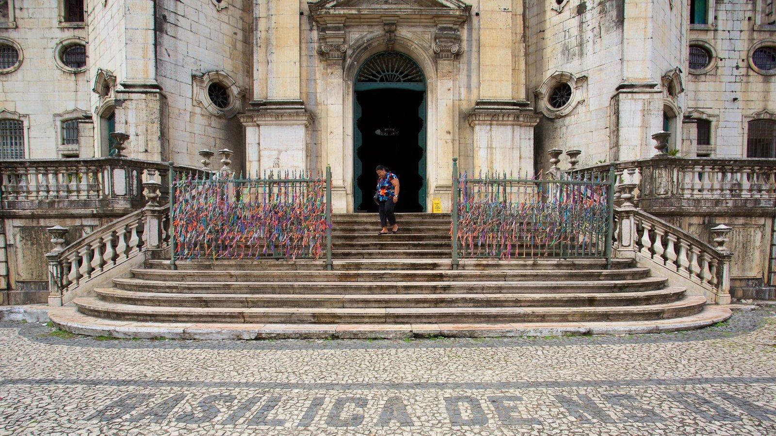 Basílica de Nossa Senhora de Conceição da Praia mostrando uma igreja ou catedral e aspectos religiosos