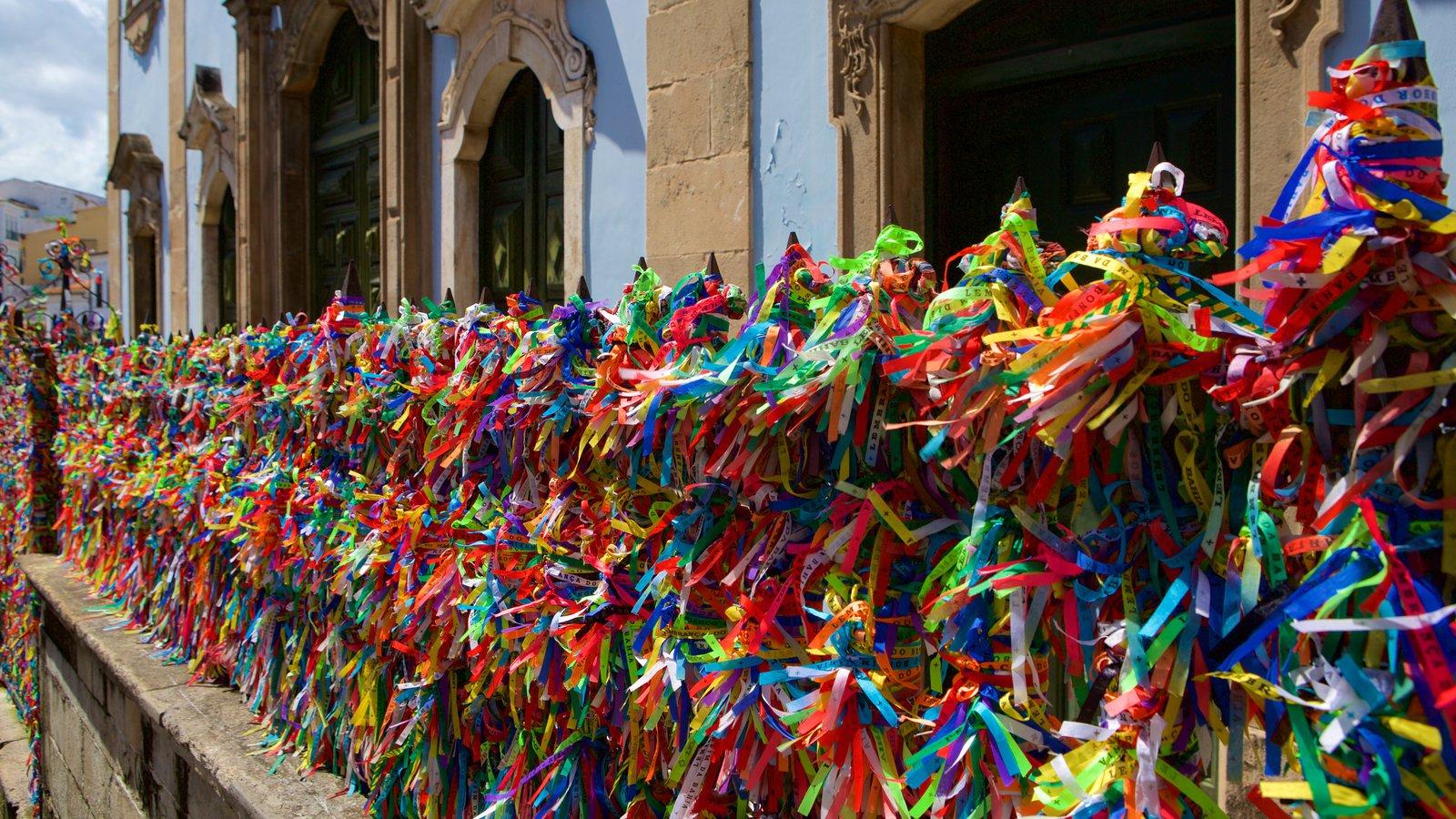 Nossa Senhora do Rosário dos Pretos mostrando elementos de patrimônio e arte ao ar livre