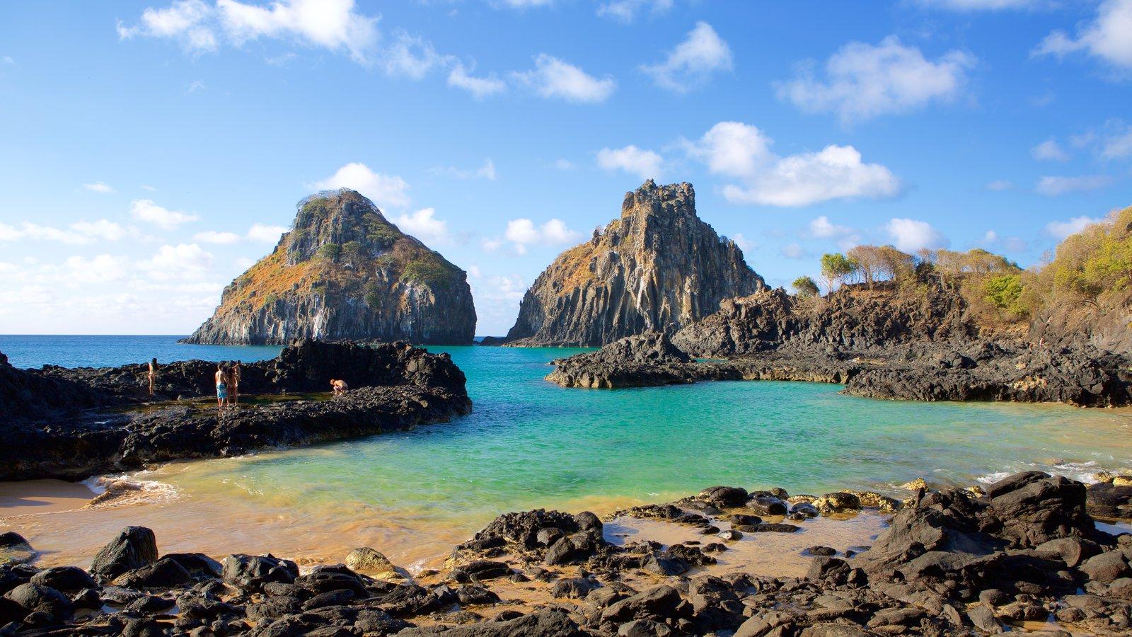 Baía dos Porcos que inclui litoral acidentado, paisagens da ilha e paisagens litorâneas