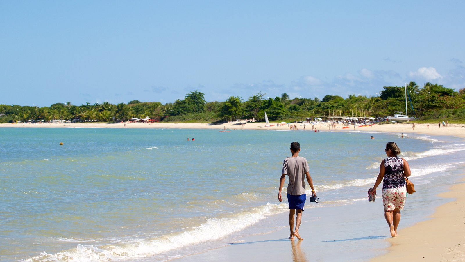 Praia do Mutá mostrando cenas tropicais, paisagens litorâneas e uma praia de areia