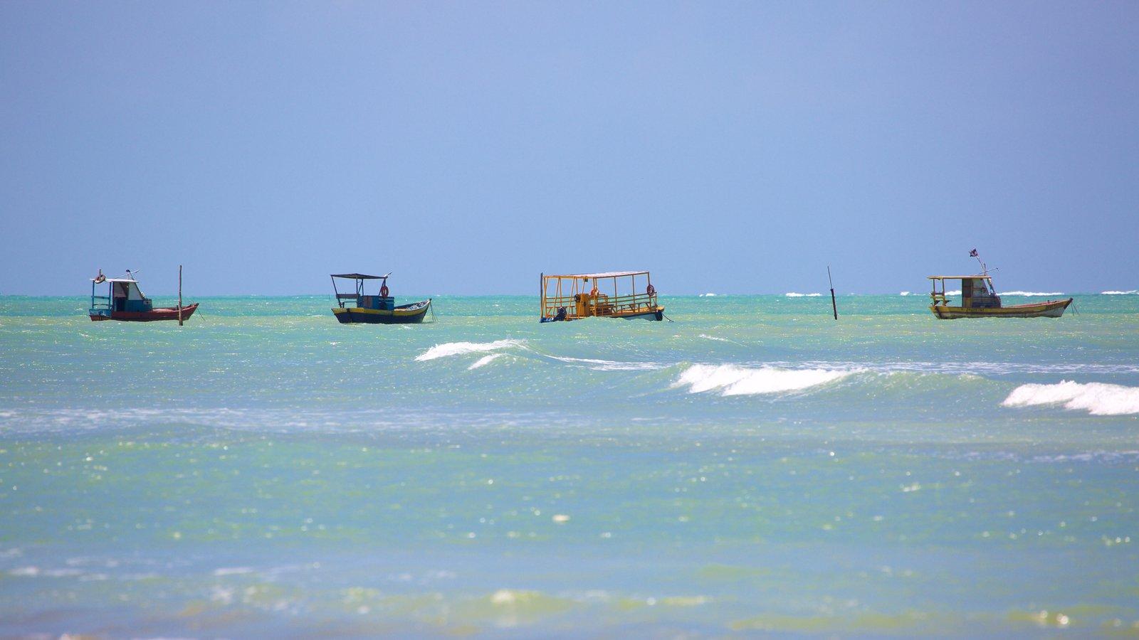 Praia de Paripueira que inclui paisagens litorâneas e canoagem