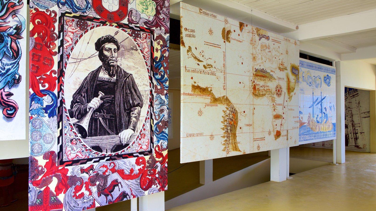 Memorial do Descobrimento do Brasil caracterizando sinalização e arte
