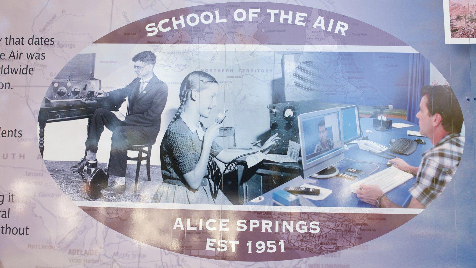 School of the Air que incluye señalización