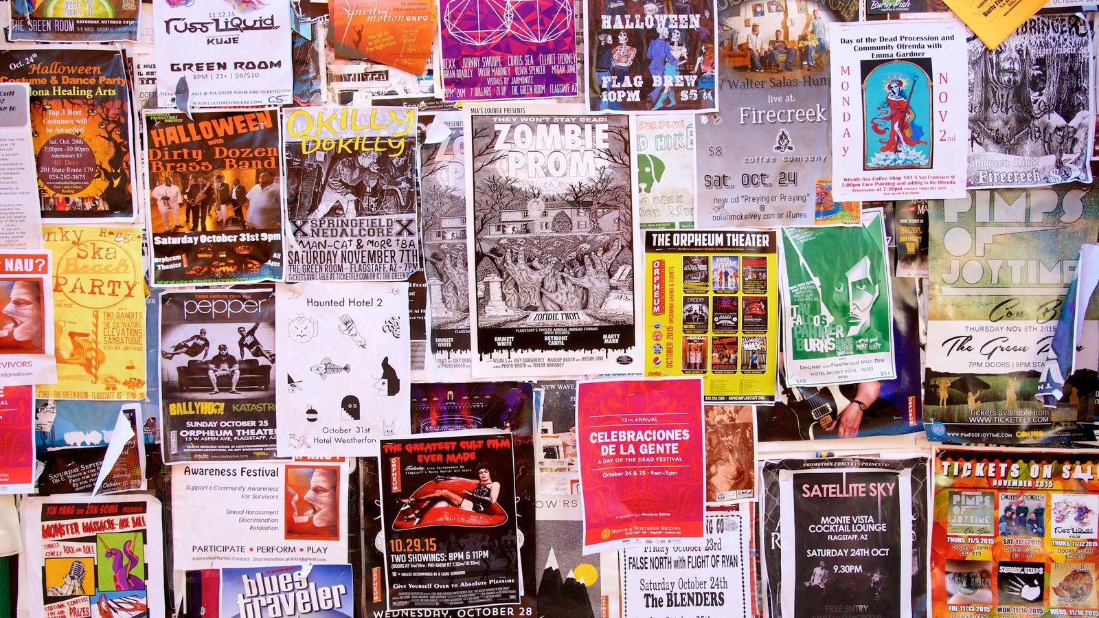Flagstaff mostrando sinalização e arte ao ar livre