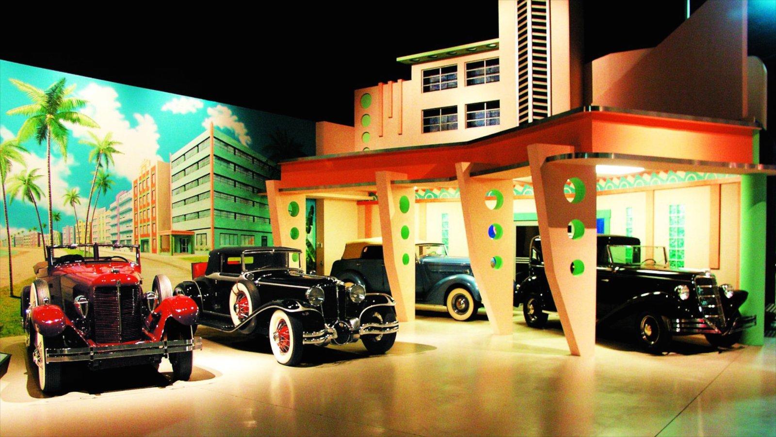 Antique Auto Museum caracterizando vistas internas