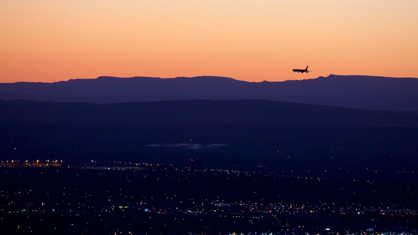 Albuquerque que incluye una puesta de sol