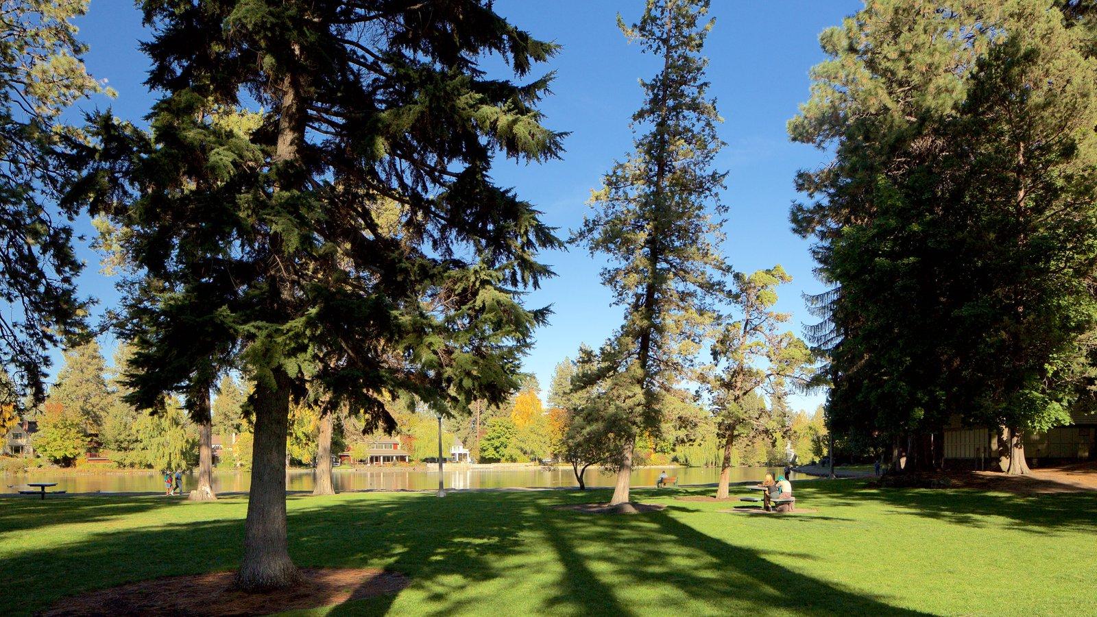 Drake Park mostrando un jardín