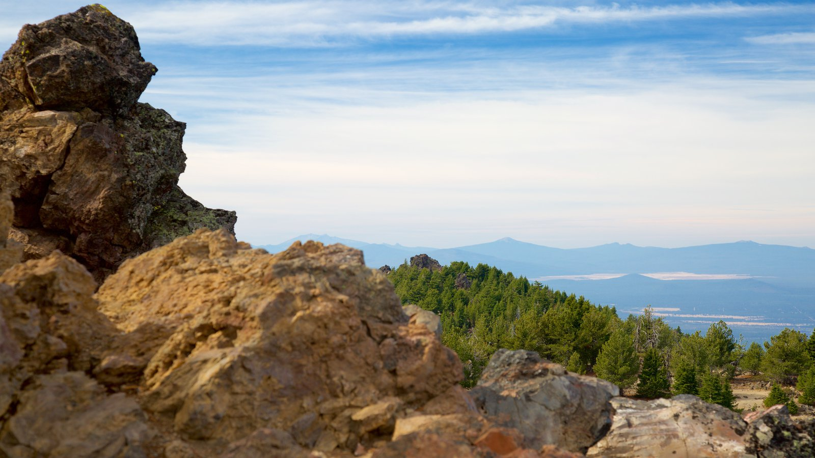 Newberry National Volcanic Monument ofreciendo escenas tranquilas
