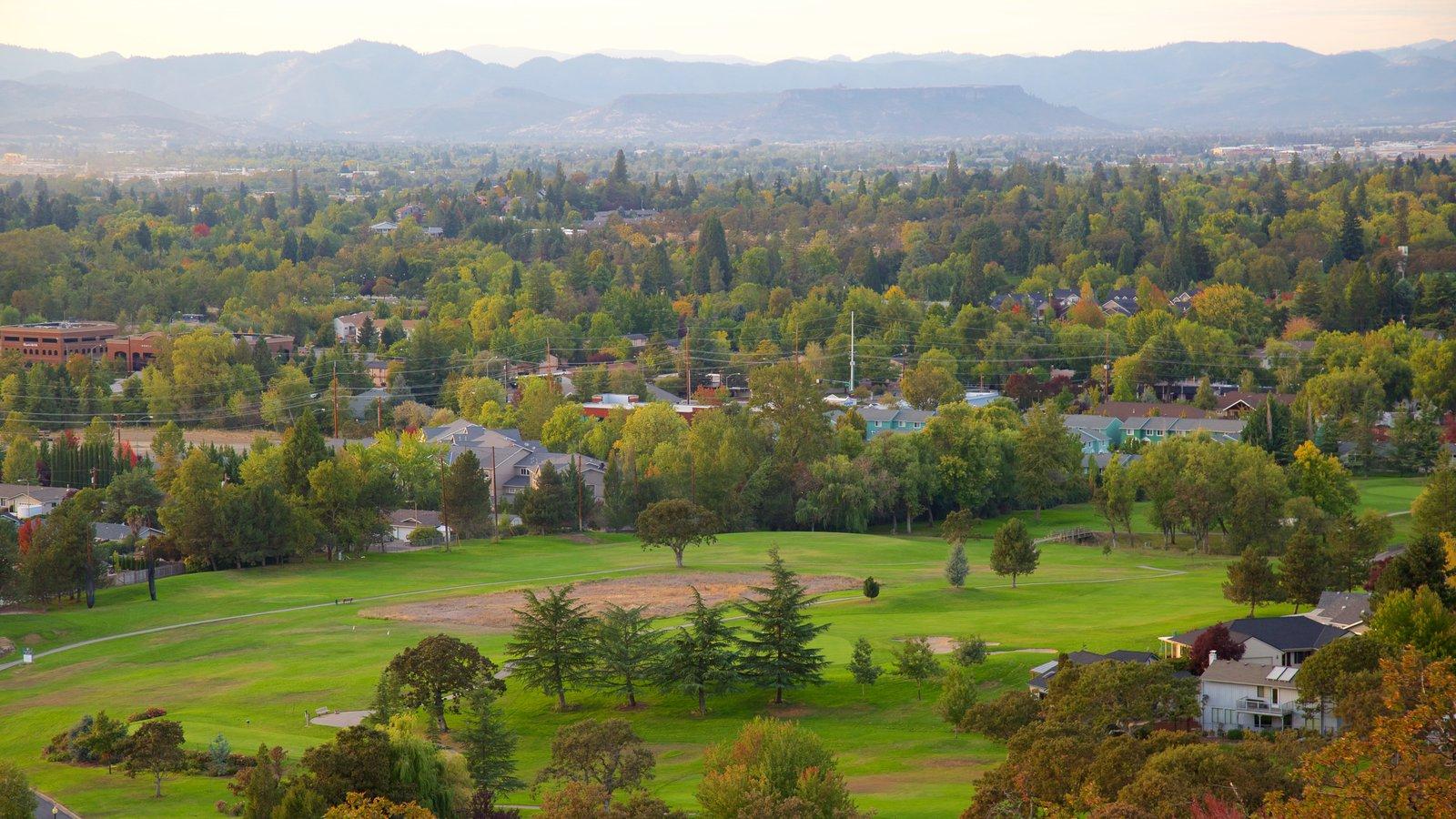 Medford mostrando un jardín y vistas de paisajes