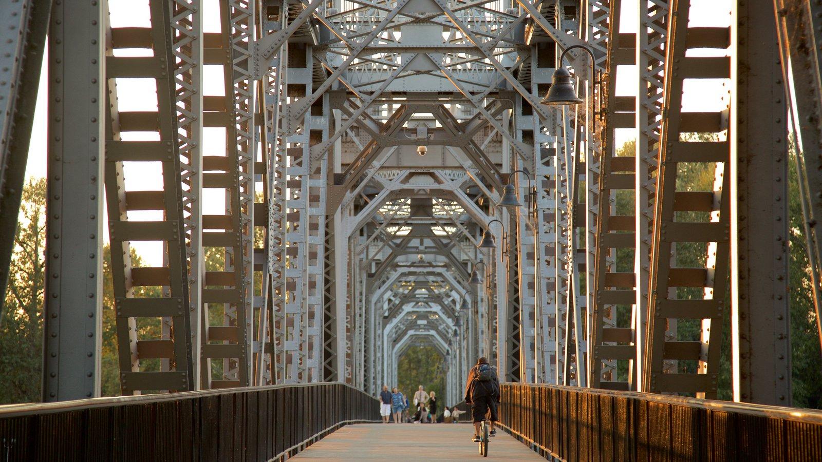 Salem que inclui uma ponte