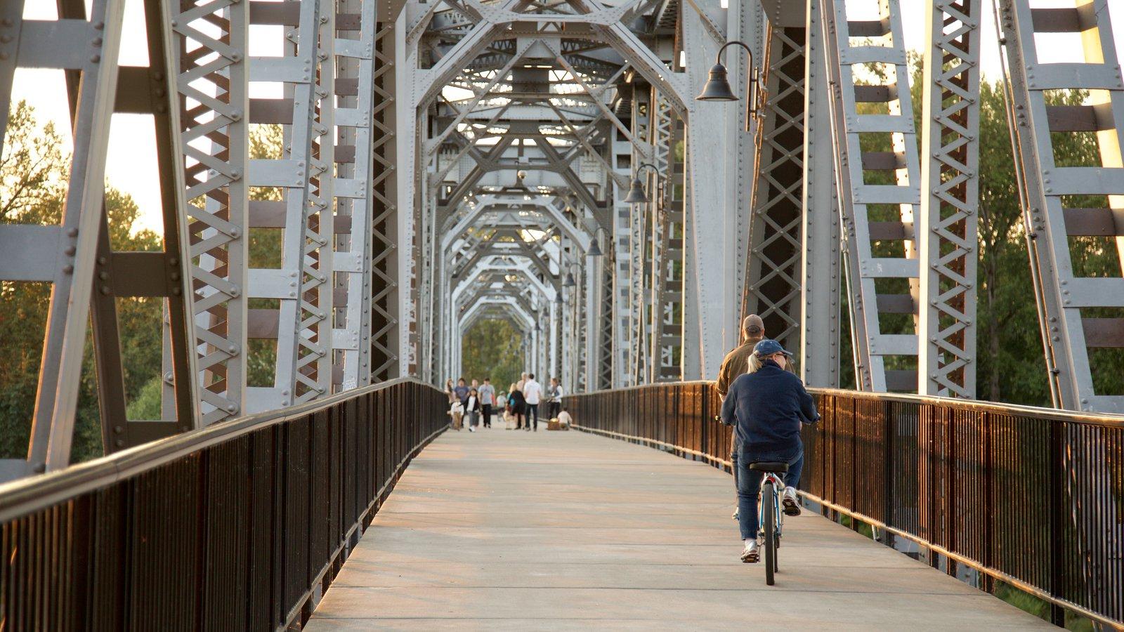 Salem caracterizando ciclismo e uma ponte