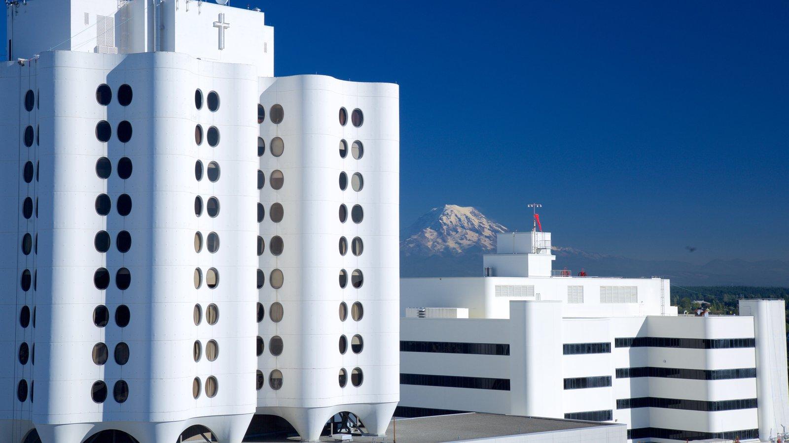 Puget Sound que inclui arquitetura moderna