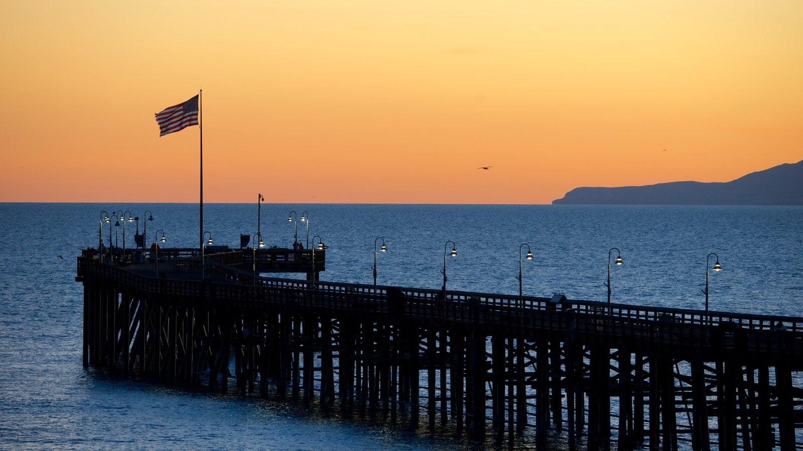 Ventura Pier caracterizando paisagens litorâneas, paisagem e um pôr do sol