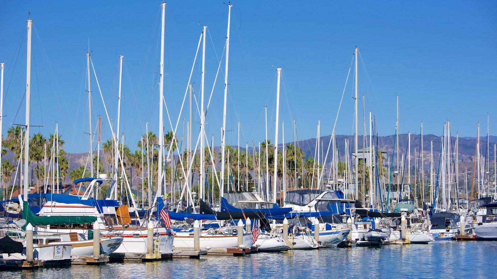 Ventura Harbor que inclui vela e uma baía ou porto